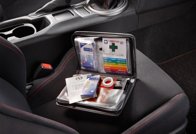 Những vật dụng cần thiết trên xe ô tô